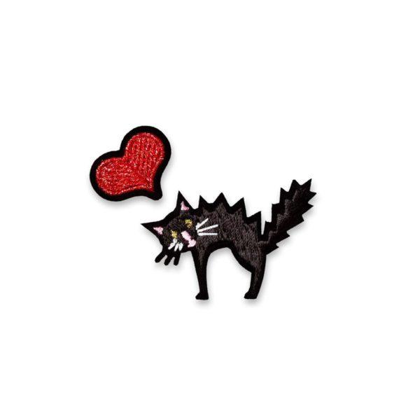 coeur rouge chat noir
